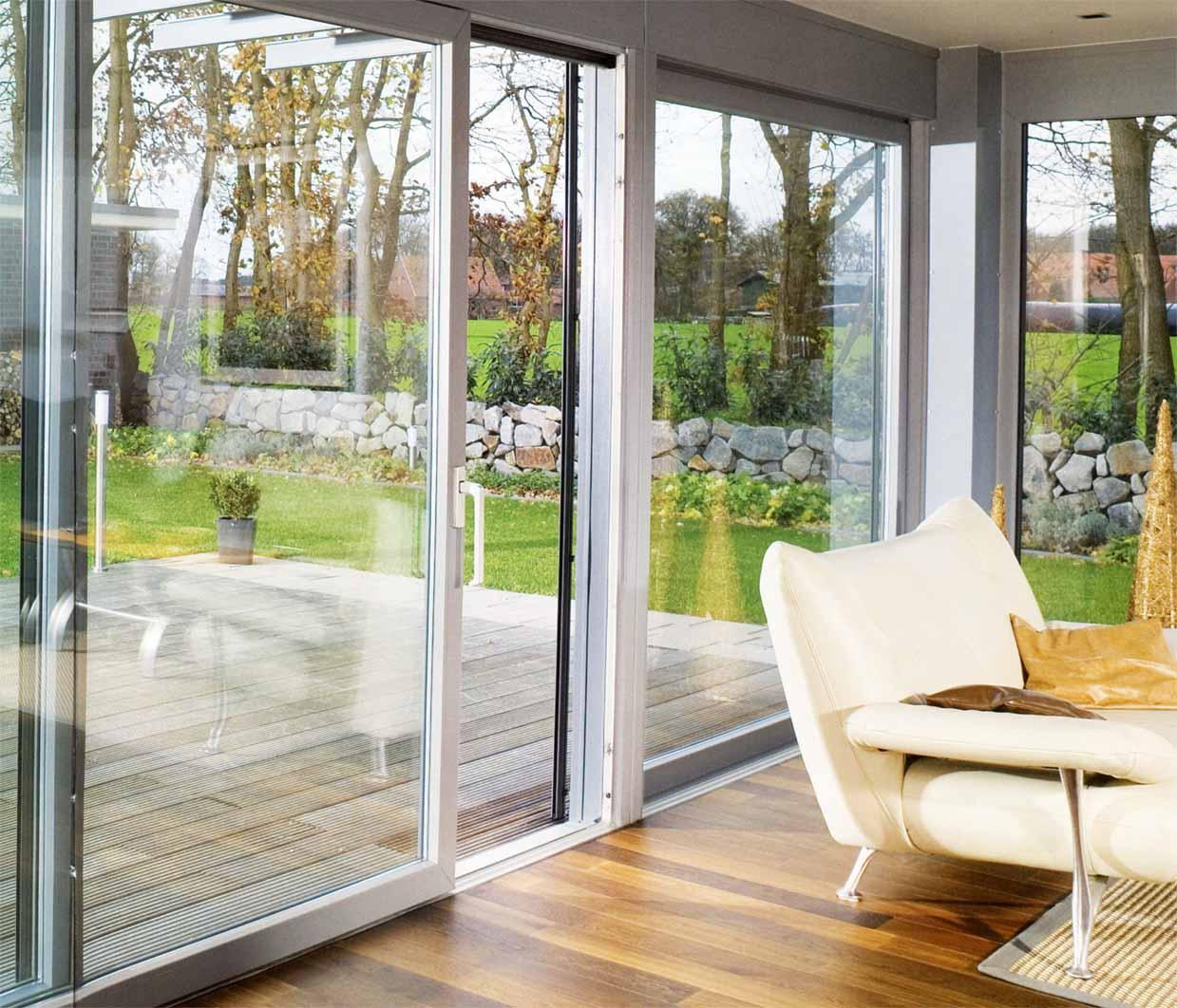 Алюминиевые раздвижные двери со стеклом купить в краснодаре.
